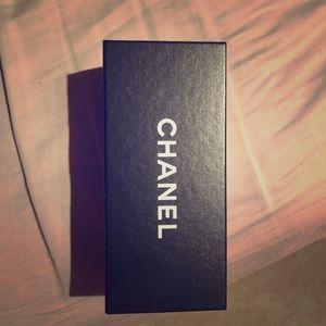 Chanel style round sunglasses